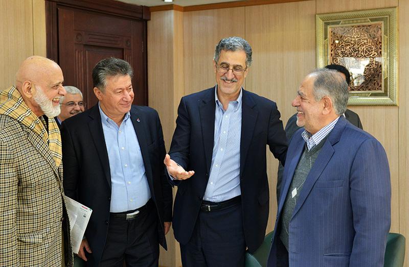 دیدار اعضای انجمن سازندگان تجهیزات صنعت نفت با مشاور عالی رئیس جمهور در اتاق تهران - 1395/09/28