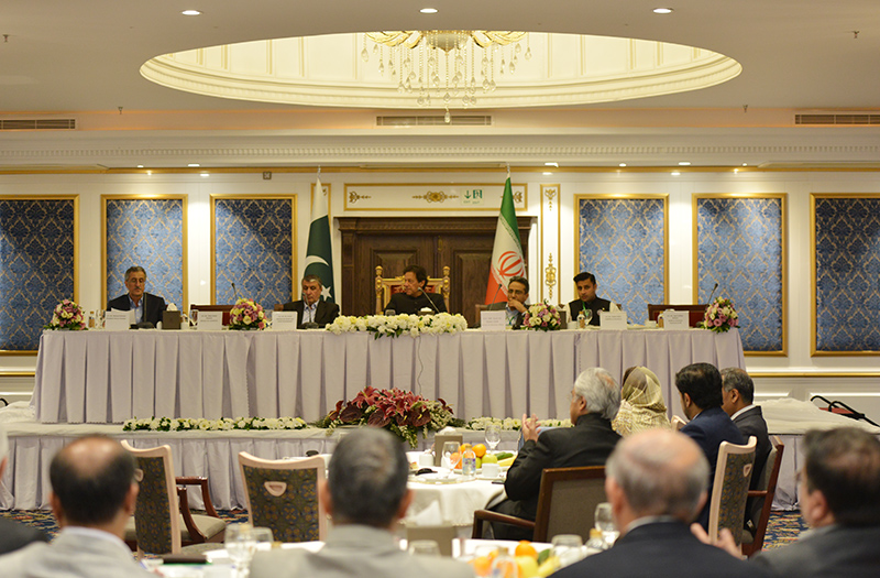 نشست فعالان اقتصادی ایران با نخست وزیر پاکستان