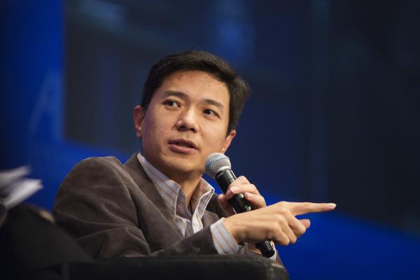 هو کا یان، فرزند پدری تهیدست، فاتح حوزه ساختوساز در چین