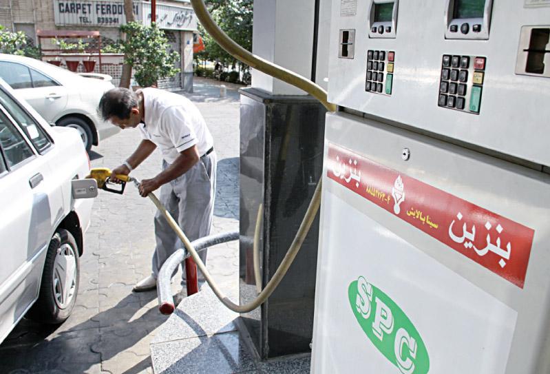 ۴.۵ میلیارد لیتر بنزین در سال ۹۶ وارد کردیم