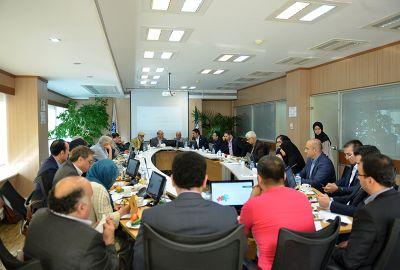بررسی توسعه همکاری با شرکتهای کوچک و متوسط نفتی بینالمللی