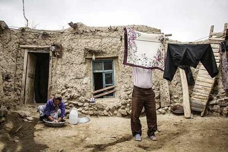 چند درصد از ایران در فقر زندگی می کنند؟