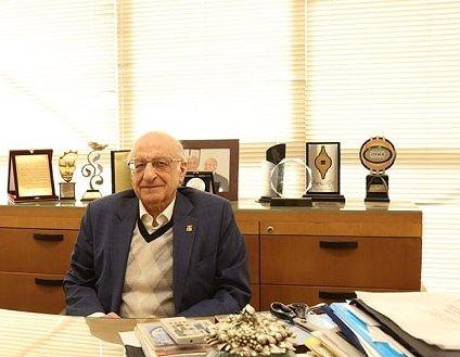 نگاهی به زندگی محمد اعتماد، مدیرعامل پوشاک ماکسیم