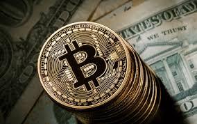 سقوط ارزش بیت کوین به زیر ۵ هزار دلار