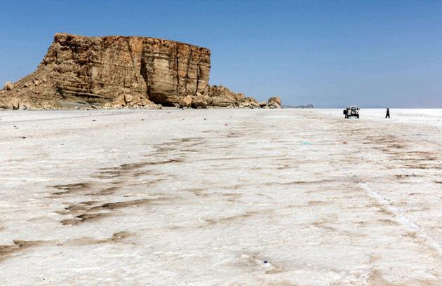 تاکید دوباره روحانی بر احیای دریاچه ارومیه