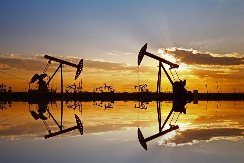 جدال شرق و غرب در بازار نفت