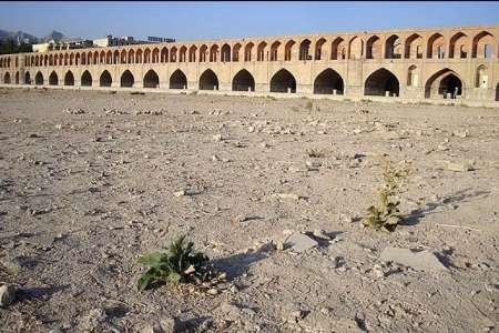 نزاع نمایندگان استانها برسر آب در مجلس