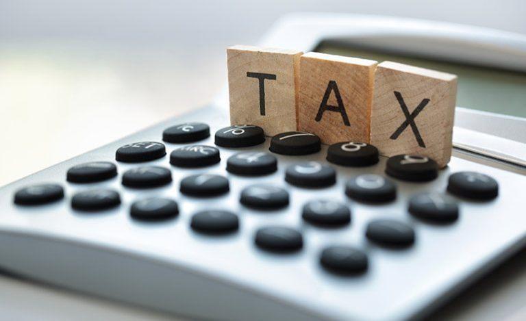 نیمی از آمریکاییها مالیات بر درآمد نمیدهند