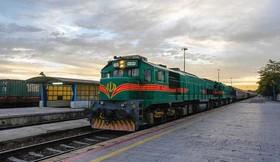 قطار تهران-وان کلید خورد / اعلام قیمت فعلی و مدت زمان سفر
