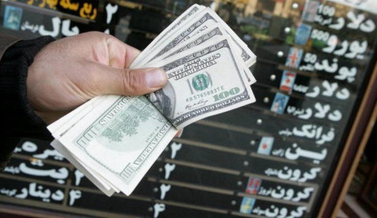 دلار دوباره وارد کانال 12 هزار تومانی شد