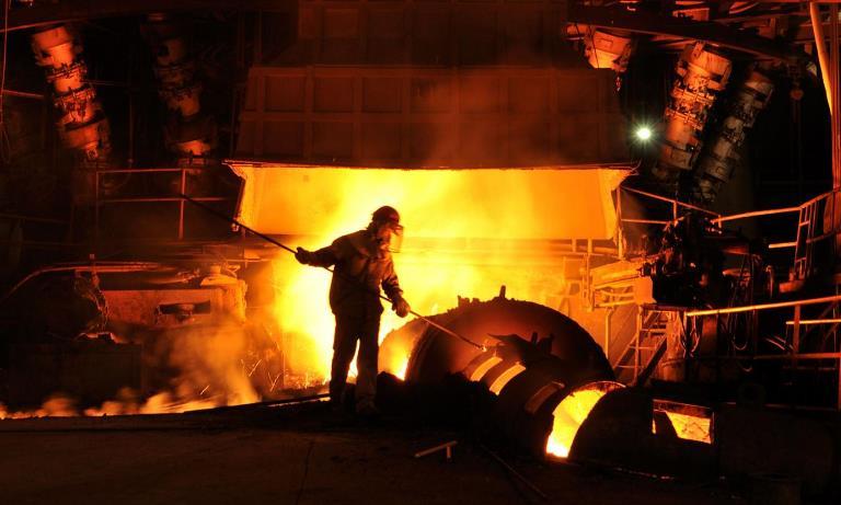 تولید 2.2 میلیون تن فولاد خام  در ایران