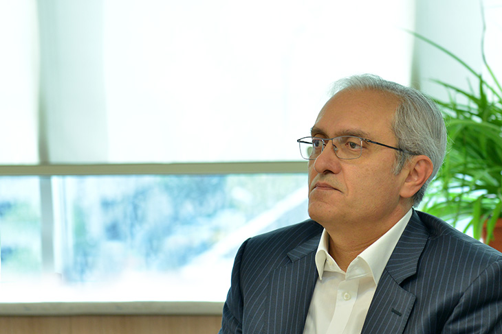 اختصاصی اتاق تهران، ناصر ریاحی، عضو هیات رییسه اتاق تهران و رئیس اتحادیه واردکنندگان دارو