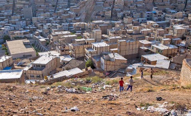 13 میلیون ایرانی در فقر زندگی می کنند