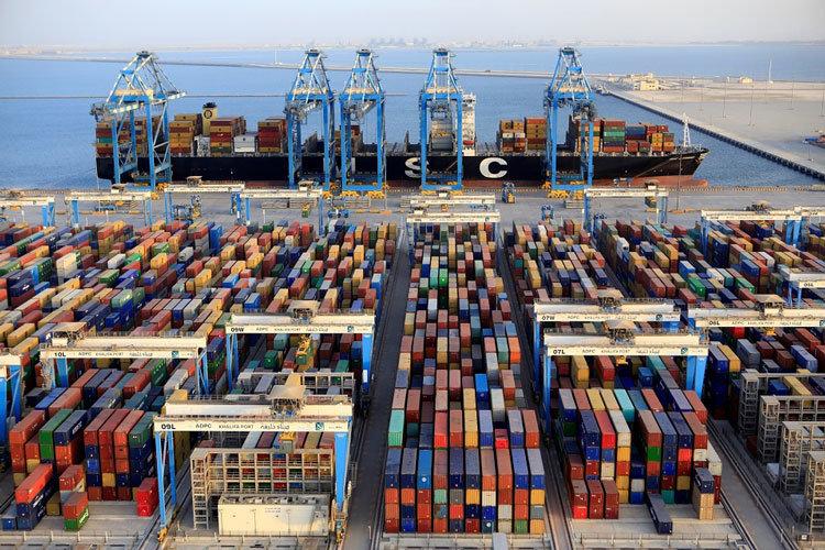 ارتباط استرداد مالیات بر ارزشافزوده صادرکنندگان با رفع تعهد ارزی باید قطع شود