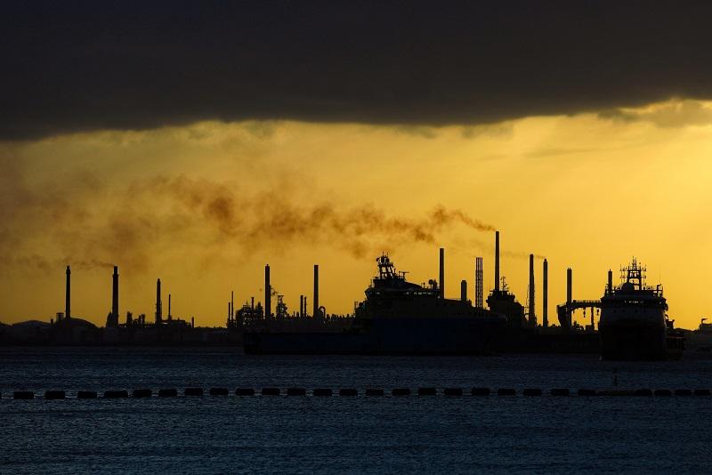 امید به بهبود قیمت نفت ادامه دارد