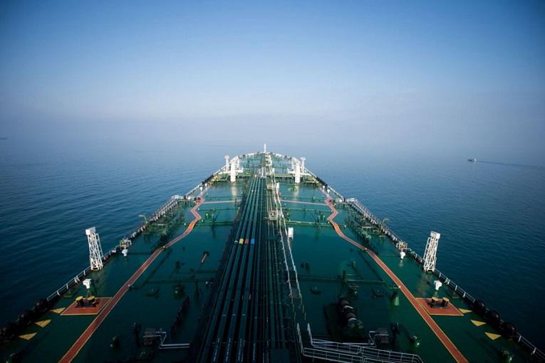 راه درازی برای افزایش چشمگیر صادرات نفت ایران وجود دارد